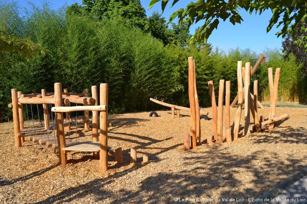 aire de jeu en bois
