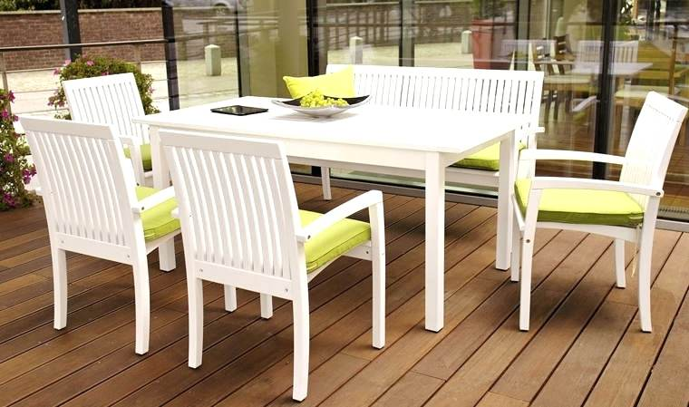 mobilier de jardin en bois blanc - Agencement de jardin aux ...