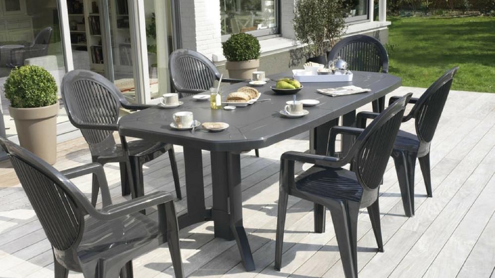 nettoyer une table de jardin en plastique vert. Black Bedroom Furniture Sets. Home Design Ideas
