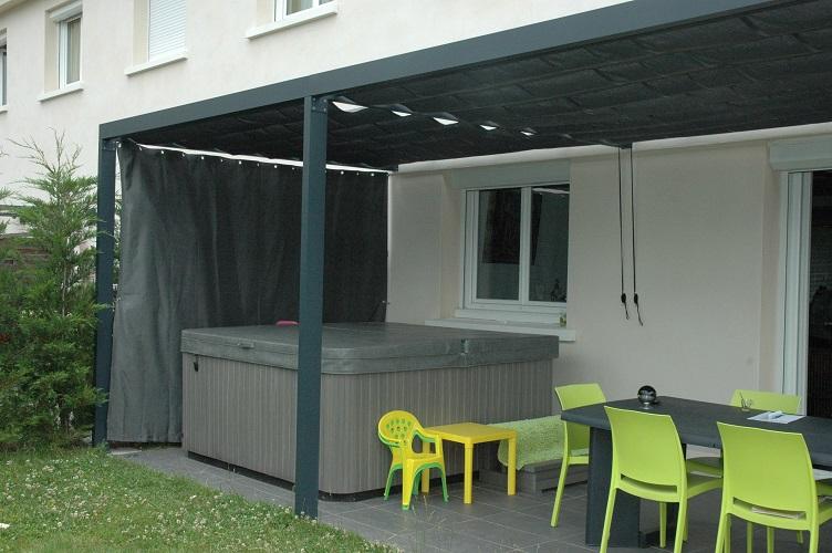 rideau coulissant pour pergola agencement de jardin aux. Black Bedroom Furniture Sets. Home Design Ideas