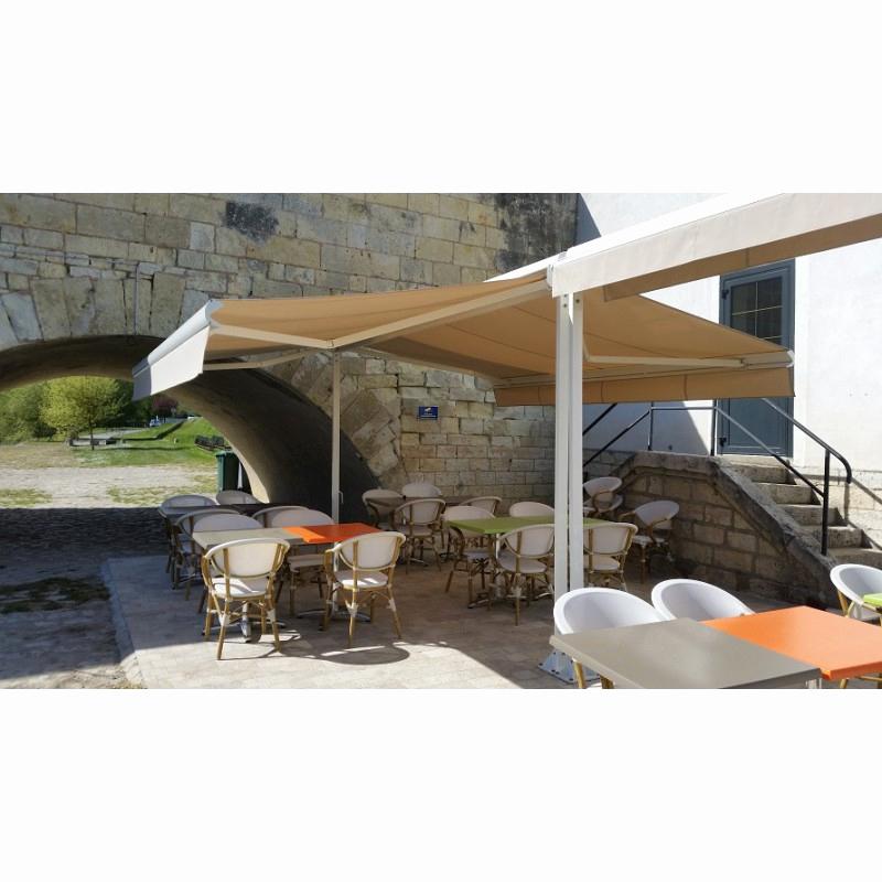 store banne sur pied double pente agencement de jardin. Black Bedroom Furniture Sets. Home Design Ideas